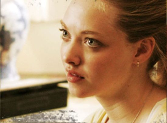 http://evilkxnpunkdemon.files.wordpress.com/2012/09/amandaseyfriedninelives.jpg?w=549&h=405